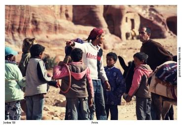 jordan petra donkey riders souvenir traders dispute иордания петра продавцы сувениров